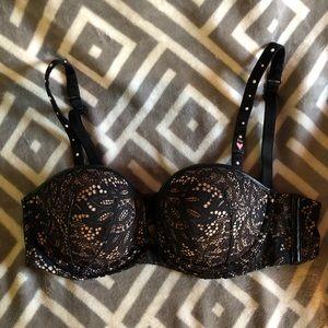 NWT 34b Victoria's Secret bra.